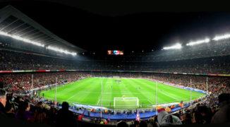 """""""Papugi"""" nad Camp Nou – kolejny odcinek starcia o dominację w Barcelonie"""