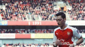 Ciało obce w Arsenalu. Jaki los czeka Mesuta Oezila?