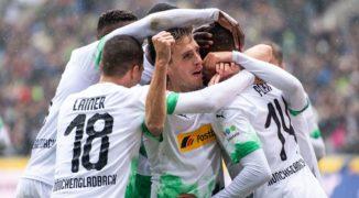 Borussia Mönchengladbach pokonuje Bayern Monachium. Ramy Bensebaini bohaterem