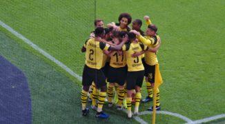 Borussia wznawia rozgrywki w wielkim stylu. Podopieczni Luciena Favre'a lepsi od Schalke w derbach Zagłębia Ruhry