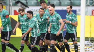 Legia zaczyna sezon od kompletu punktów. Nieskuteczny Raków skarcony przez Pekharta!