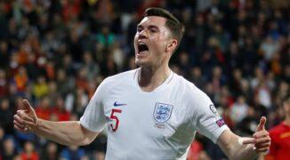 Michael Keane w walce o Euro na tle pozostałych obrońców reprezentacji