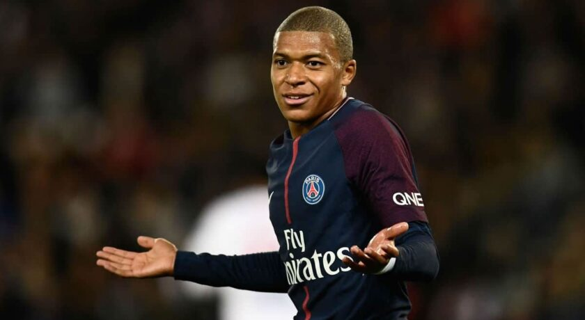 Bez niespodzianki w pojedynku na szczycie. PSG po walce pokonuje Lyon
