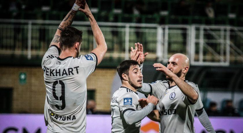 Uśpiona Legia Warszawa bezbramkowo remisuje z Cracovią