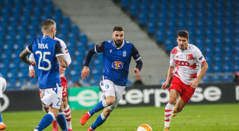 Lech Poznań traci bramkę w końcówce spotkania i przegrywa 1:2 ze Standardem Liege