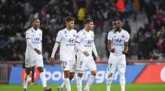 Lyon ponownie zaskakuje! PSG przegrywa u siebie po bezbarwnej grze